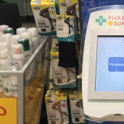Beispiel eines Selbstbedienungsterminals in einer Sun Store-Apotheke. Apotheker verkaufen ihre Beratung künftig vermehrt gegen eine Beratungspauschale.